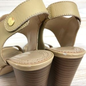 c4a5f4ba88f Brooks Brothers Shoes - Brooks Brothers 346 Tan Block Heel Sandal Size 7.5